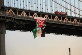 banner-drop-manhattan-bridge